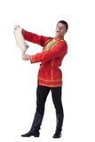 Tänzer im russischen Kostüm mit Papier Lizenzfreie Stockbilder