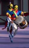Tänzer mit gelber Schablone Lizenzfreie Stockfotos