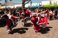 Tänzer an Russland-Tag Auckland lizenzfreie stockbilder
