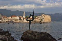 Tänzer von Budva - Skulptur von Gradimir Alexic Stockbilder