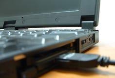 tät bärbar dator upp Royaltyfri Foto