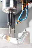 tät bearbeta med maskin metall mal upp behandling Arkivfoton