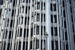 tät betong som skjutas upp väggen Arkivbild
