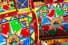 tät färgrik nepal richshaw upp arkivbild