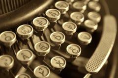 tät gammal skrivmaskin upp Arkivfoton