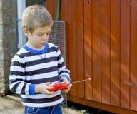 tät gullig stående för pojke upp Arkivfoton