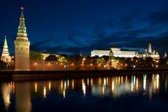 tät kremlin moscow flod russia upp Arkivfoton