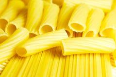 tät macaroneespagetti upp Arkivfoto