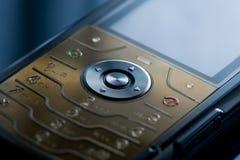 tät mobil telefon som skjutas upp Royaltyfri Foto