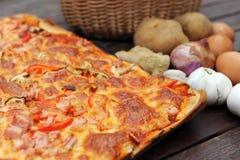 tät pizza upp Royaltyfri Fotografi