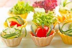 tät sallad som skjutas upp grönsaken Royaltyfri Bild