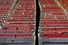 tät shopping för vagn upp Royaltyfria Bilder