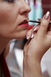 tät skapande makeup för beautician upp Royaltyfri Foto