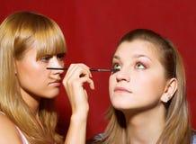 tät skapande makeup för beautician upp Arkivfoto