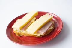 tät skinksmörgås för ost upp Royaltyfri Bild