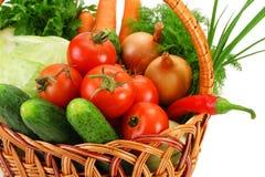 täta övre grönsaker för korg Arkivbild