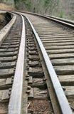 täta daglinjer järnväg spåriner upp två Arkivbilder