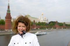 täta kremlin moscow upp kvinna Royaltyfri Bild