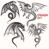 Tätowieren Sie Sammlung von Hand gezeichneten Drachen für Design Stockfotos