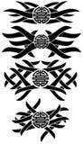 Tätowierungen mit dem chinesischen Symbol des doppelten Glückes lokalisiert Stockbild