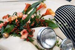 tätt övre tappningbröllop för bil Royaltyfri Bild