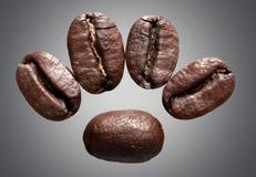 tätt kaffe för böna som skjutas upp royaltyfri bild