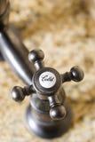 tätt kallt vattenkranhandtag upp vatten Royaltyfri Bild