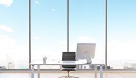 tätt kontor upp arbetsplats Arkivfoton