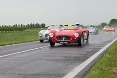 Tävlings- bil Maserati i Mille Miglia 2013 Arkivbilder