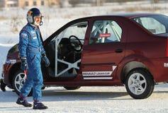Tävlings- chaufför Firdaus Kabirov arkivbilder