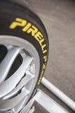 tävlings- gummihjul nolla för p-pirelli Arkivfoto