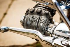 Tävlings- handskar för motorcykel Fotografering för Bildbyråer
