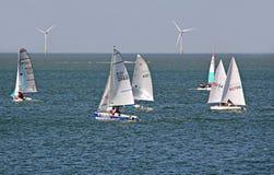 Tävlings- segelbåtregatta Arkivfoton