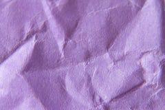 Tło tekstury purpura marszczący papier zamknięty w górę pojęcie i projekt obrazy stock