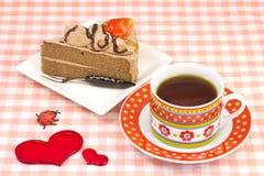 Tårta och kaffe för jordgubbe kort Arkivfoton