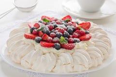 Tårta Pavlova. arkivfoto