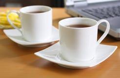 Tè all'ufficio Immagine Stock Libera da Diritti