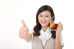 Tè bevente della donna Immagine Stock Libera da Diritti
