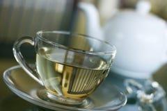 Tè bianco in tazza trasparente Immagini Stock Libere da Diritti