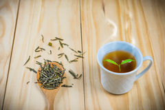 Tè caldo sulla tavola di legno Fotografie Stock