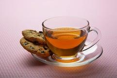 Tè con i biscotti del cioccolato Fotografie Stock Libere da Diritti