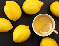 Tè con i limoni Fotografia Stock Libera da Diritti