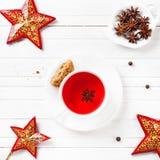 Tè dell'anice stellato con le spezie nel tempo di Natale Fotografia Stock