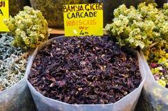 Tè dell'ibisco nel bazar egiziano della spezia Immagine Stock Libera da Diritti