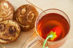 Tè della prima colazione con i pancake Immagine Stock