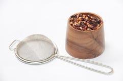 Tè della rosa canina in una ciotola di legno Immagini Stock Libere da Diritti