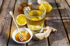 Tè dello zenzero con miele ed il limone Immagini Stock Libere da Diritti
