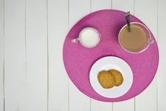 Tè e biscotti caldi di pomeriggio IV Fotografia Stock Libera da Diritti