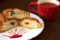 Tè e croissants Fotografie Stock Libere da Diritti