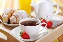 Tè e croissants immagine stock